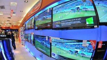 Venta de televisores en local comercial. (Foto archivo)