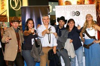 Victor Brienza, Micaela Olivera y los actores
