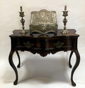 Uno de los muebles de estilo que subastará la casa Zorrilla Antigüedades<br>