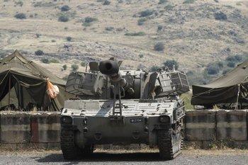 Artillería israelí toma posición cerca de la frontera Siria de Golan