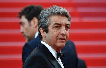 El actor argentino Ricardo Darín posó mientras llegaba el martes 8 a la proyección de la película <i>Todos Lo Saben</i>y la ceremonia de apertura de la 71ª edición del Festival de Cannes