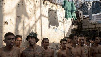 Mareros en una cárcel de El Salvador.