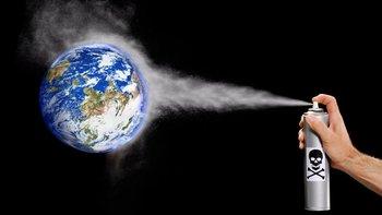 Las moléculas de los clorofluorocarbonos ascienden hasta la atmósfera donde se deshacen y se libera el flúor que destroza la capa de ozono.
