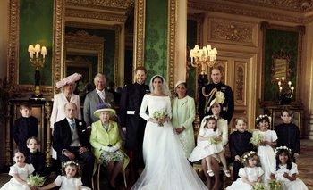 La familia real en todo su esplendor después de la ceremonia religiosa<br>