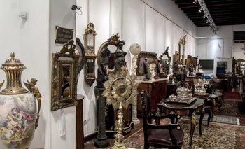 El salón de exposiciòn y subasta está a disposición del público en Bavastro e hijos<br>