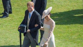 Los duques de Sussex se mezclaron con los invitados después del discurso de Harry.