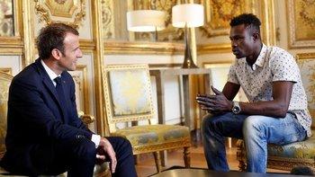 Emmanuel Macron invitó a Mamoudou Gassama al Palacio del Elíseo.