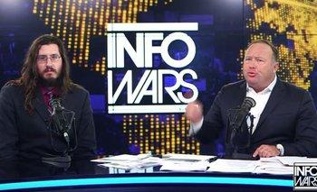 Michael Rotondo y Alex Jones, conductor del programa InfoWars