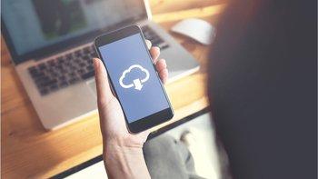 Subir las fotos en la nube manualmente te permitirá controlar mejor lo que queda almacenado en la red.