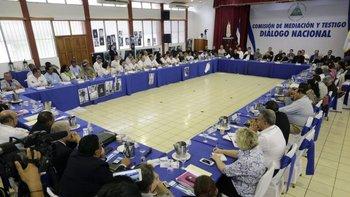 Quienes participan en el Diálogo Nacional exigen una hoja de ruta que incluya una salida anticipada de Ortega.