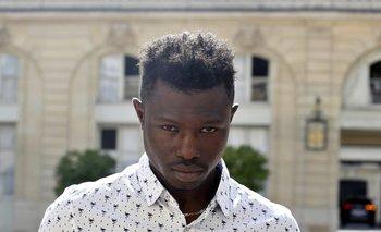 Mamoudou Gassama, el inmigrante maliense que trepó hasta el cuarto piso de un edificio parisino para salvar a un niño de cuatro años que colgaba de un balcón