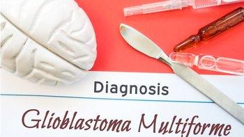 El tratamiento normal del glioblastoma es extirpación del tumor y sesiones de radioterapia y quimioterapia.