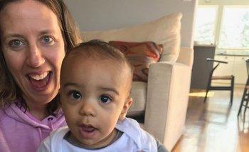 La aerolínea les pidió a Lindsay Gottlieb y a su prometido que demostraran que el pequeño Jordan era hijo de la mujer.