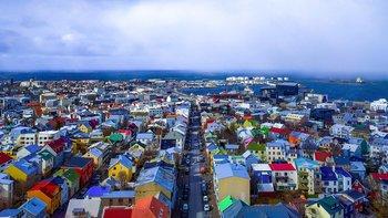 Islandia aplica grandes impuestos al petróleo y es el pañis más caro para llenar el depósito (a 30/05/2018).