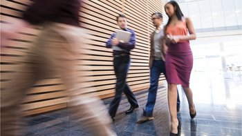 En América Latina el 4,2% de los directores ejecutivos de empresas son mujeres.