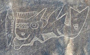 A diferencia de los geoglifos de la cultura Nasca, las figuras de Paracas se encuentran en laderas de montañas y no en superficies planas.