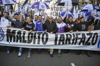 Protestas en Buenos Aires en contra de los ajustes de tarifas y la política económica del gobierno