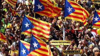La presión de los independentistas catalanes sigue siendo fuerte.