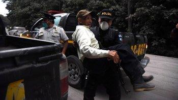Tres departamentos de Guatemala se encuentran en alerta roja tras la actividad del volcán.