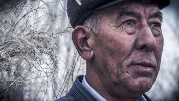Orazbay Allanazarov cree que el humilde saxaul podrá ayudar al pueblo de karakalpak.