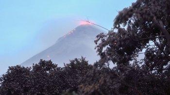 Este era el aspecto del volcán el lunes.