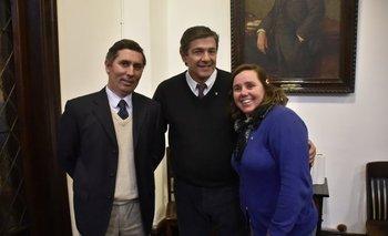 El nuevo presidente, Miguel Sanguinetti; el presidente saliente, Jorge Riani; y la flamante segunda vicepresidenta, María del Pilar Camy.<br>