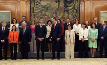 Los miembros del nuevo gobierno prometieron su cargo ante el rey Felipe VI.