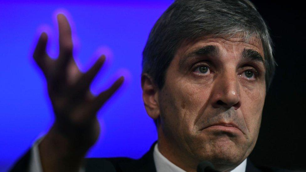 El FMI desdramatizó la salida de Luis Caputo del Banco Central