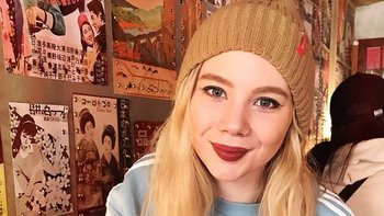 A Katy Johnston le indujeron la menopausia a los 22 años para aliviar los síntomas de la endometriosis.