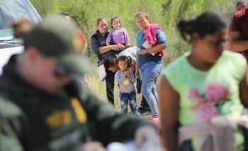 La nueva ley lleva a que los hijos sean separados de sus padres.