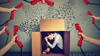 En ocasiones uno prefiere no aparecer disponible para evitar vivir enganchado al teléfono.