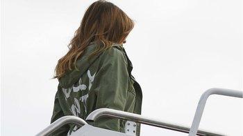 Melania Trump usó una chaqueta de Zara antes de visitar a los niños separados de sus padres.