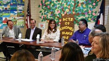 Melania Trump fue a un albergue en Texas tras la tormenta política por la separación de niños migrantes de sus padres.