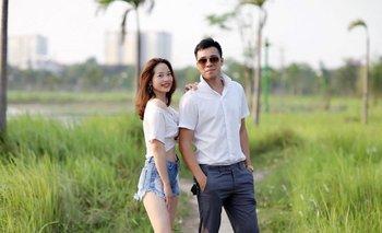 Dos actores de la empresa Vinamost, que ofrece novios y novias falsos para simulacros de bodas en el país asiático