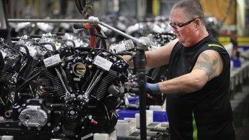 Si la compañía estadounidense no toma medidas respecto a los nuevos aranceles, los clientes europeos tendrían que pagar por una motocicleta 2.200 dólares por encima de su valor actual, según la empresa.