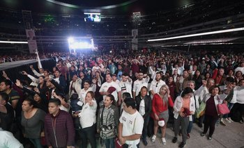 Votantes de Andrés Manuel López Obrador, candidato que lidera las encuestas, en su acto de cierre de campaña el miércoles pasado