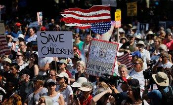 Manifestantes en contra de la separación de las familias inmigrantes