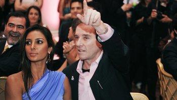 Batista con su novia Flavia Sampaio en 2009 durante una gala benéfica, luego de su divorcio de Luma de Oliveira.