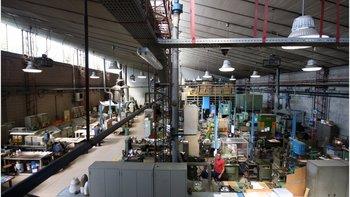 La fábrica se encuentra en un pequeño pueblo de Milán, norte de Italia.