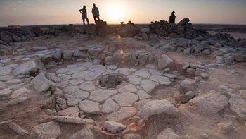 Los restos de pan fueron hallados en dos construcciones que tenían hornos circulares. El sitio arqueológico se llama Shubayqa 1.