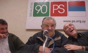 Mujica durante un acto en la sede del Partido Socialista en 2009