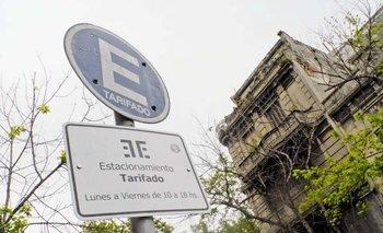 La intendencia de Montevideo aumentará las tarifas de estacionamiento y extenderá el sistema. A.Cuenca