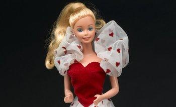 Mattel, fabricante de la emblemática Barbie, despedirá a 2.200 trabajadores en todo el mundo.