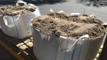 Estas bolsas contienen cerca de un metro cúbico de arena.