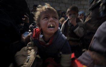 Miles de niños se vieron obligados a huir de sus hogares debido al conflicto.
