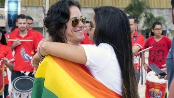 Manifestantes se reunieron frente a la Corte Suprema en San José de Costa Rica esta semana para exigir cambios a la ley de matrimonio gay.