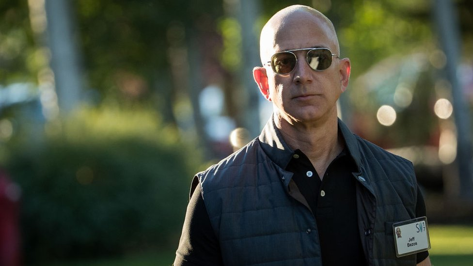 Jeff Bezos, dueño de Amazon, denuncia chantaje del National Enquirer