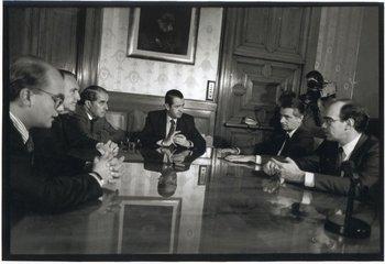 El equipo económico de Lacalle en agosto de 1994: Gustavo Licandro (subsecretario de Economía), Carlos Cat (presidente del BROU), Enrique Braga (presidente del BCU), Juan Andrés Ramírez (senador y candidato presidencial), Ignacio de Posadas (ministro de Economía) y Javier de Haedo (director de la OPP).