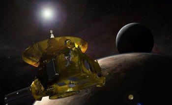 New Horizons fue lanzada en 2006 con la misión, según la NASA, nullde ayudarnos a comprender los márgenes de nuestro Sistema Solar, hacer un primer reconocimiento del planeta enano Plutón y aventurarnos en el misterioso y distante Cinturón de Kuipernull.