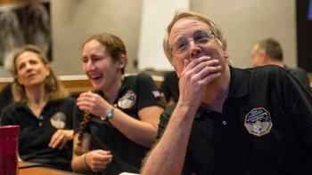 Miembros del equipo de New Horizons reaccionaron así a una de las imágenes captadas por la sonda en su acercamiento a Plutón.